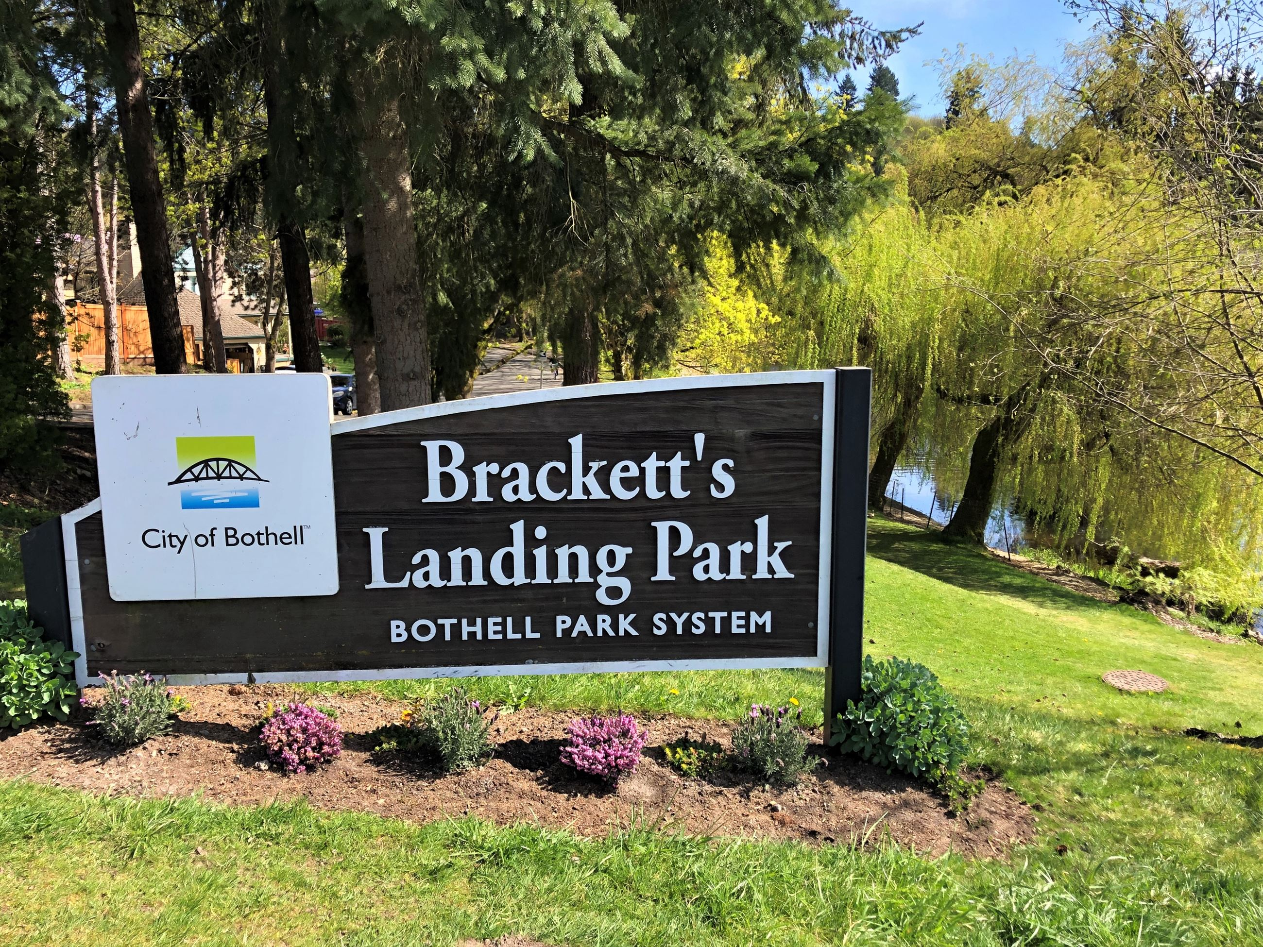 Bracketts Landing Park sign
