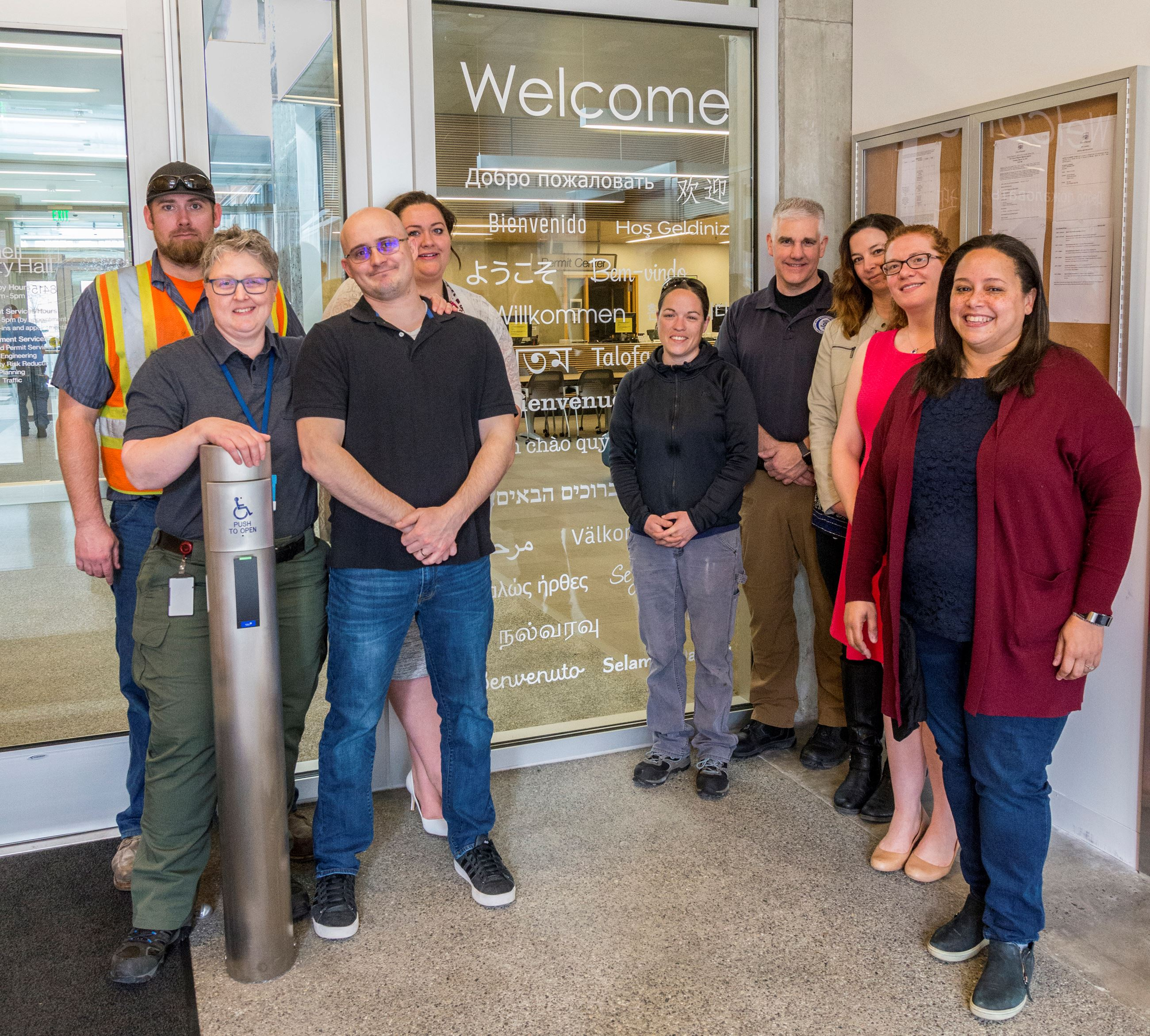Image of 2019 Diversity & Inclusion Team with the WelcomeSign
